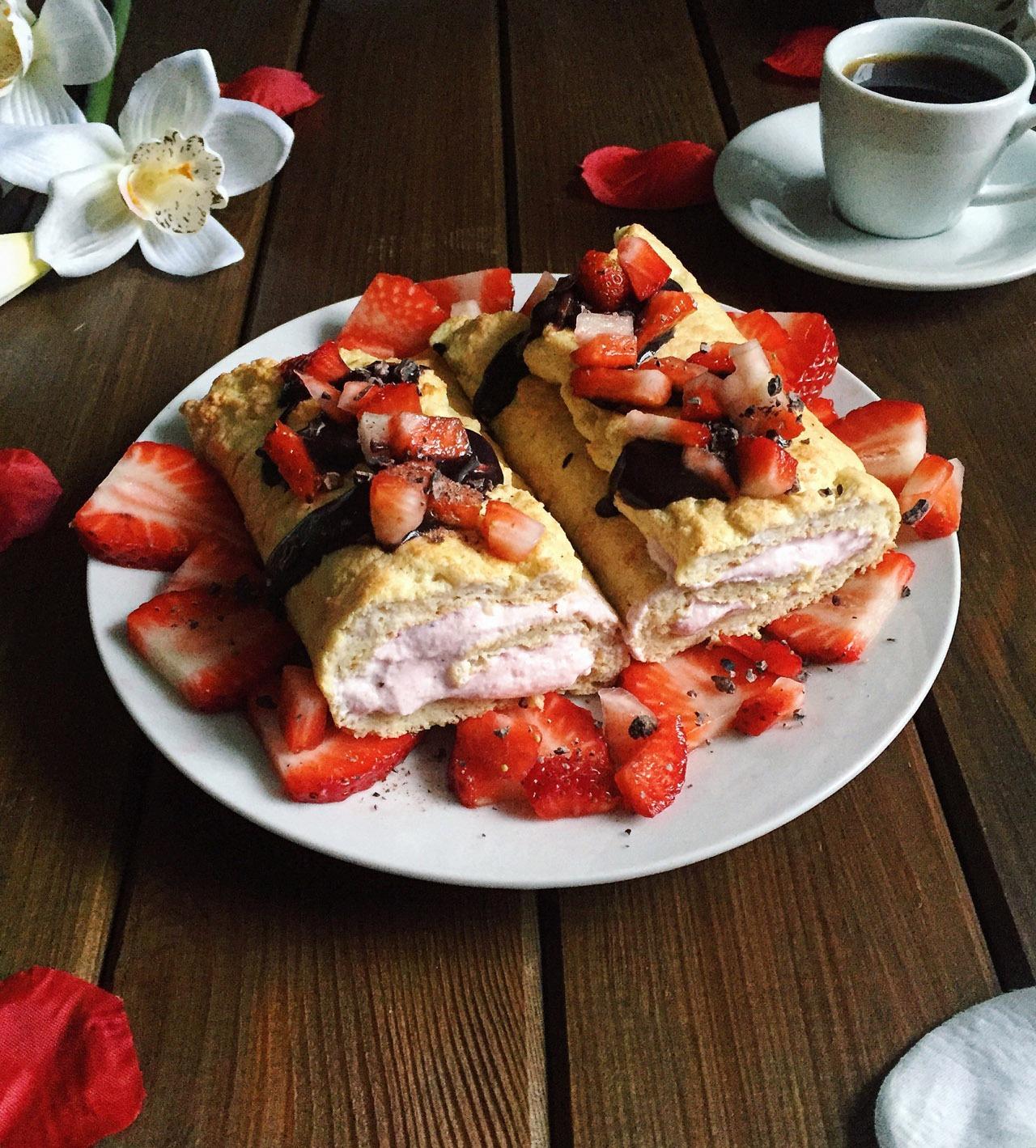 Zubereitung Biskuitrolle mit Erdbeer-Quark-Füllung