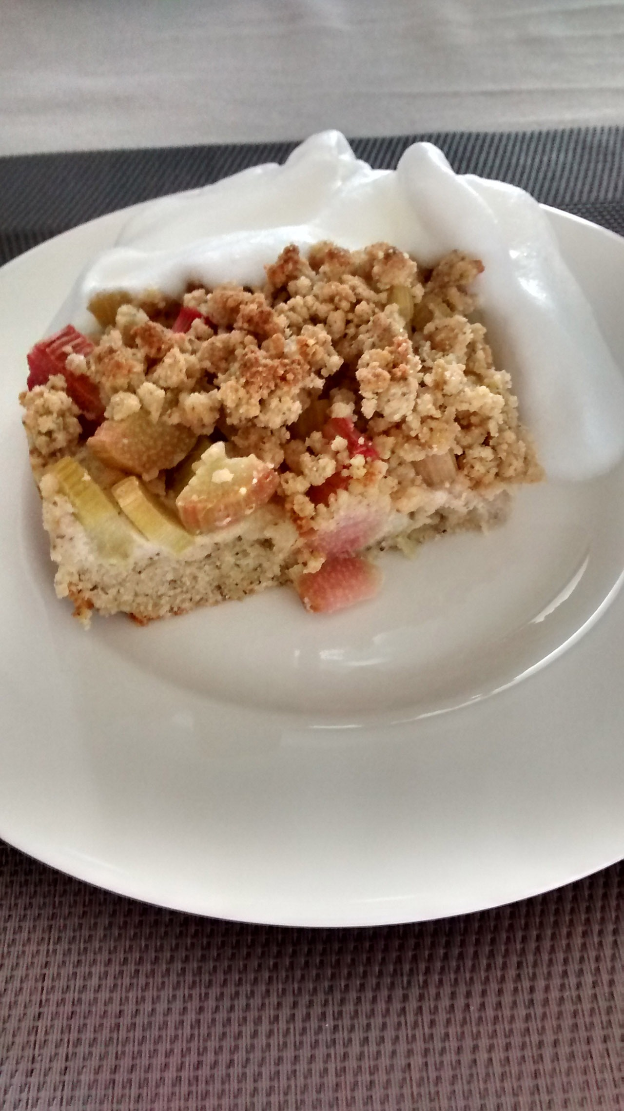 Rezeptbild Rhabarber Streuselkuchen