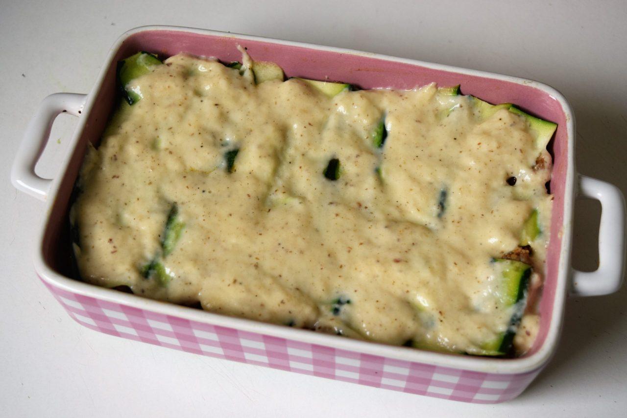 Zubereitung Zucchinie Lasagne mit Bechamelsoße